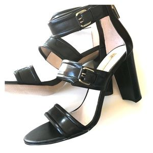 Shoes - NEW CAMUTO black leather sandals ankle strap 7 8